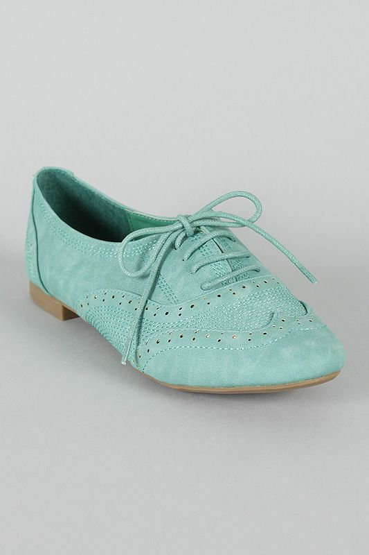 Cambridge-33 Perforated Lace Up Oxford Flat