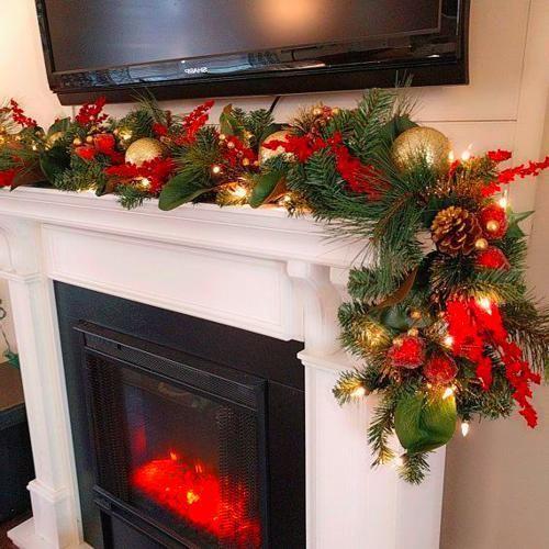Christmas Mantle Decor Fireplaces #magnoliachristmasdecor