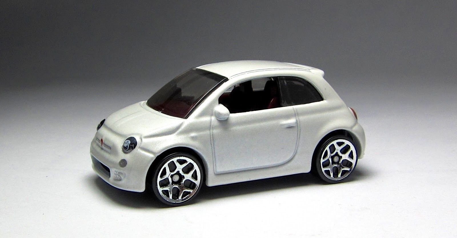 First Look Hot Wheels Fiat 500 In White With Images Fiat