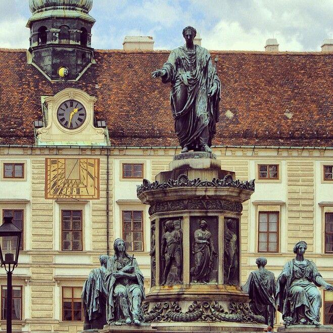 Monumento al emperador Francisco I. Viena. Austria.