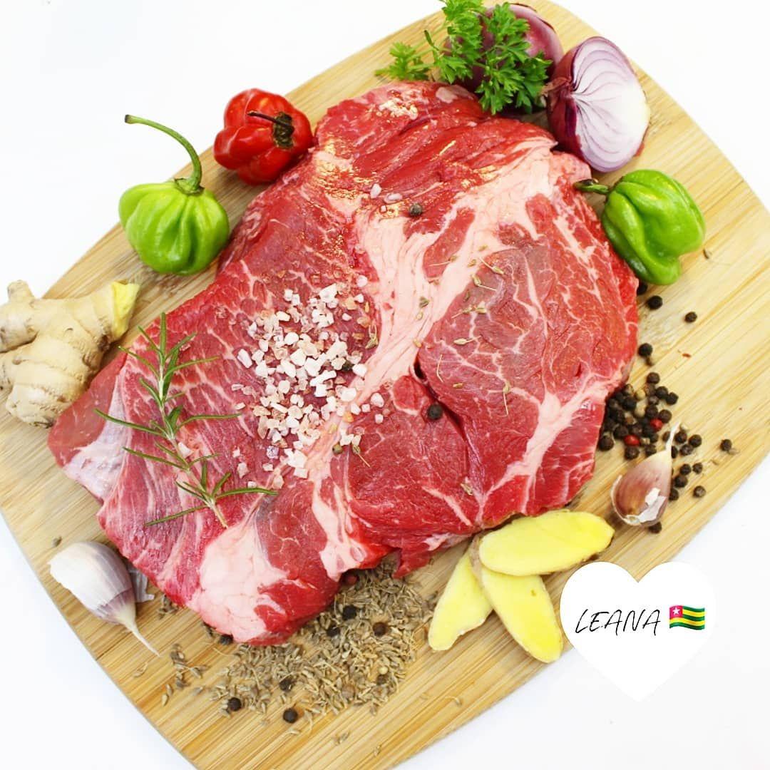 Il parait que la vue de la viande calme les Hommes, alors je vous souhaite une f... -