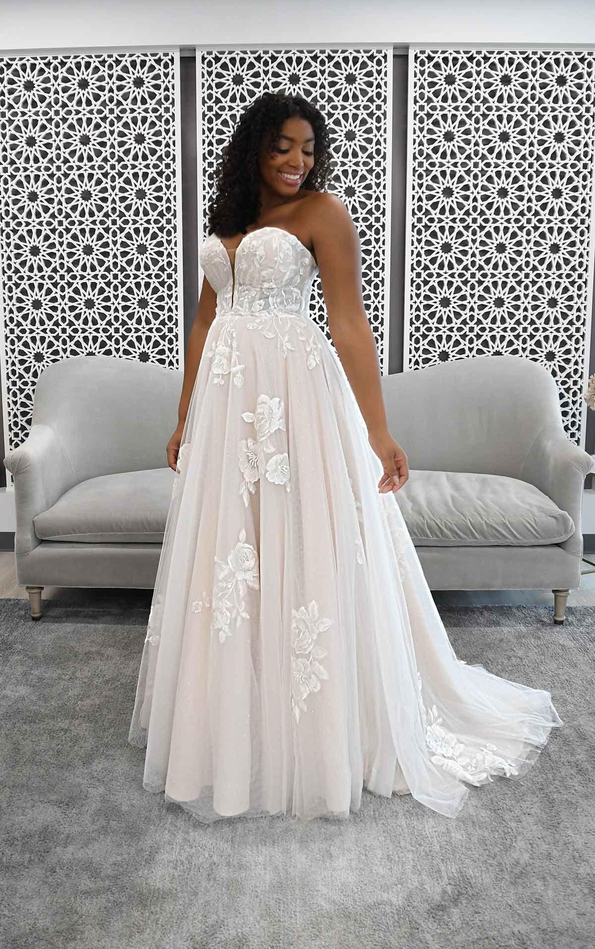 Romantic Strapless Wedding Dress With Sparkle Stella York Wedding Dresses Strapless Wedding Dress Ballgown Ball Gown Wedding Dress York Wedding Dress [ 1914 x 1200 Pixel ]