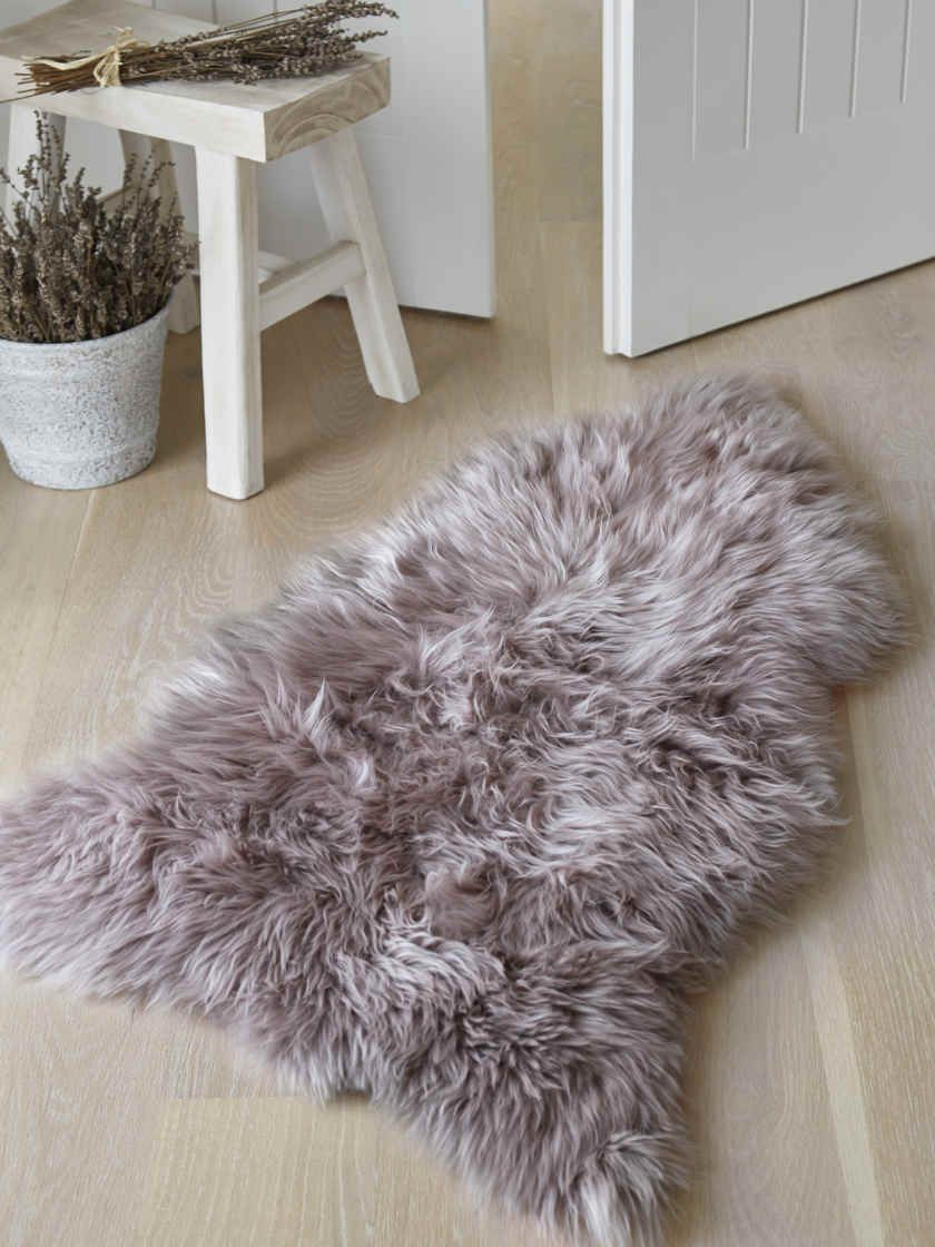 Luxurious Sheepskin Rug Dove in 2020 Sheepskin rug
