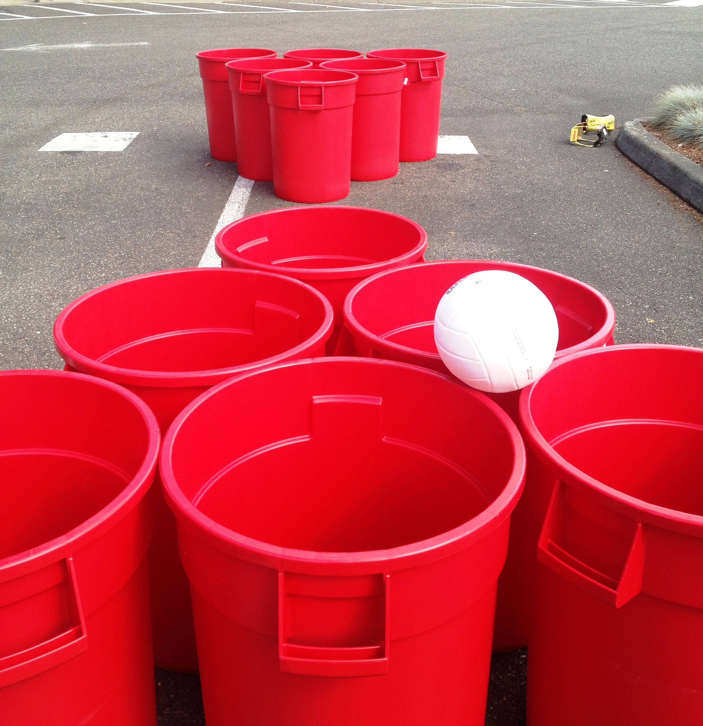 definently doing this in the summer super sized beer pong giant