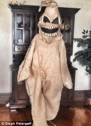 One family's awesome Halloween costumes | Oogie boogie, Costumes ...
