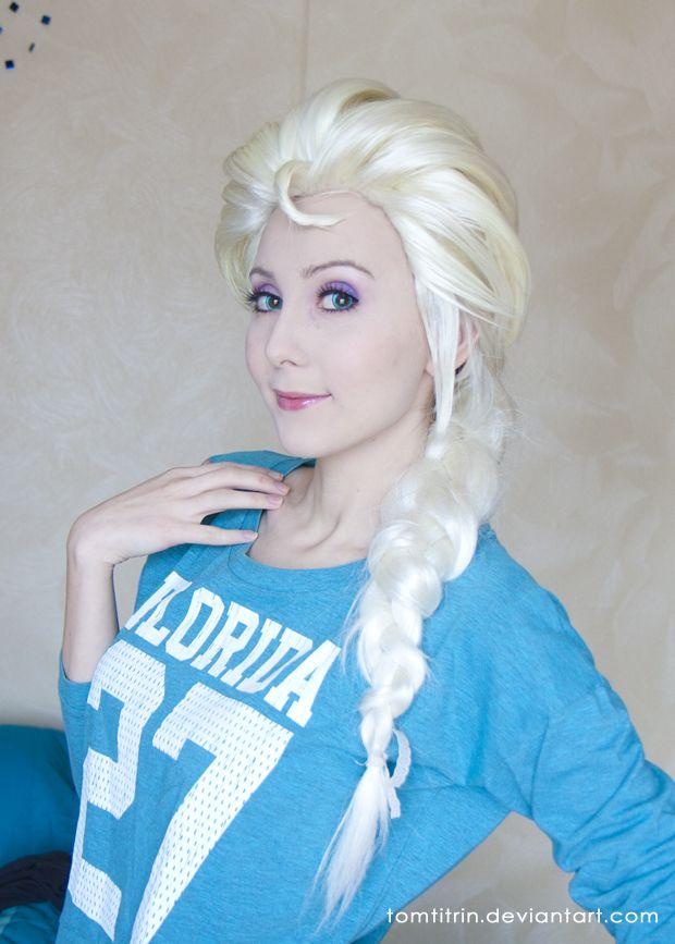 Elsa Frozen Cosplay