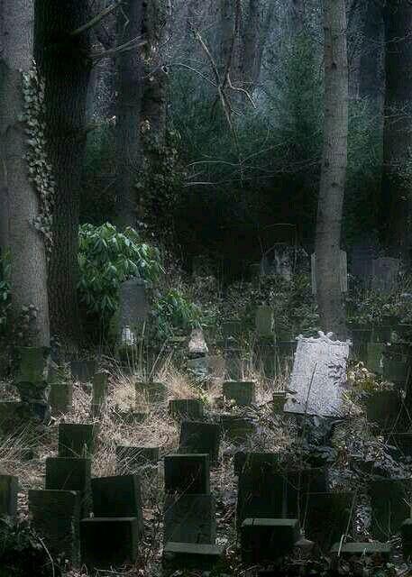 File:Pandu Dutch Cemetery, Bandung, Indonesia.jpg ...
