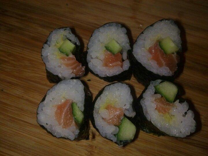 Gurken-Lachs-Sushi selbst gemacht