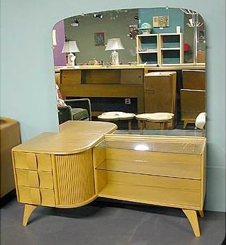 Heywood Wakefield Maple Vanity; part of the Kohinoor collection ...