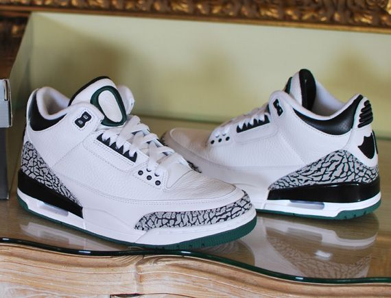 Air Jordan III Oregon Ducks Home PE - New Photos - SneakerNews.com ... 02acfe96de