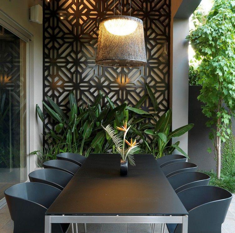 décoration mur extérieur, panneau métallique décoratif et meubles de