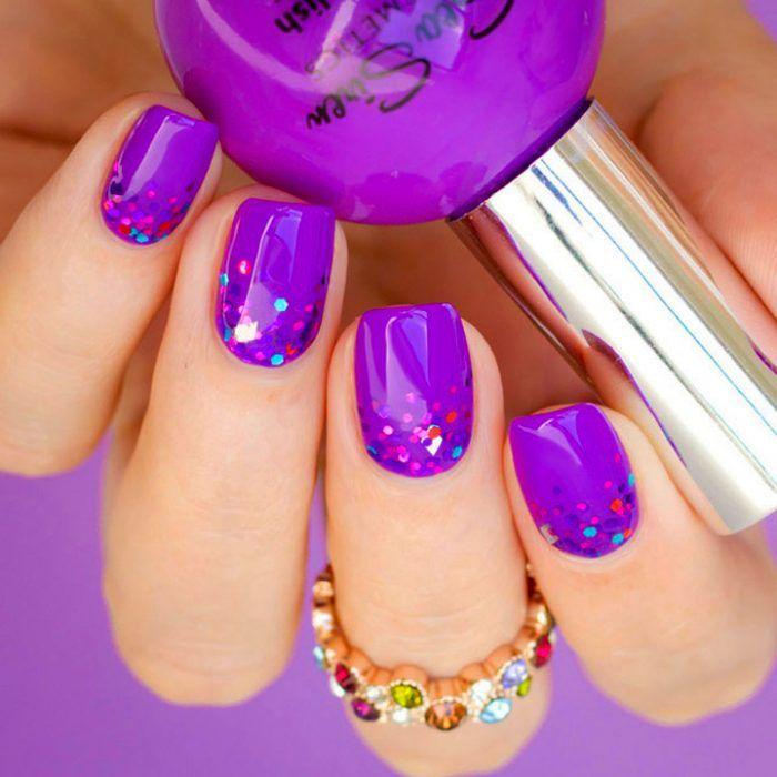 Diseño de uñas color morado con glitter color rosa | uñas ...