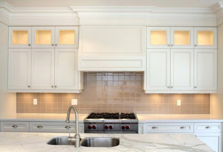 crown moulding above kitchen cabinets crown molding on kitchen within moldi kitchen cabinet on kitchen cabinets trim id=56338