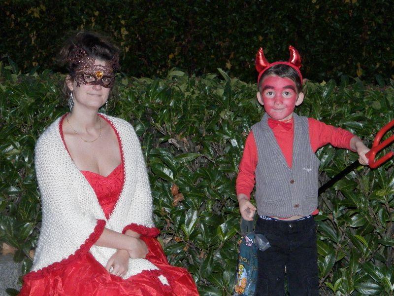 Ma fille Maïlys et son fils Gabriel déguisement pour Halloween à Ploufragan