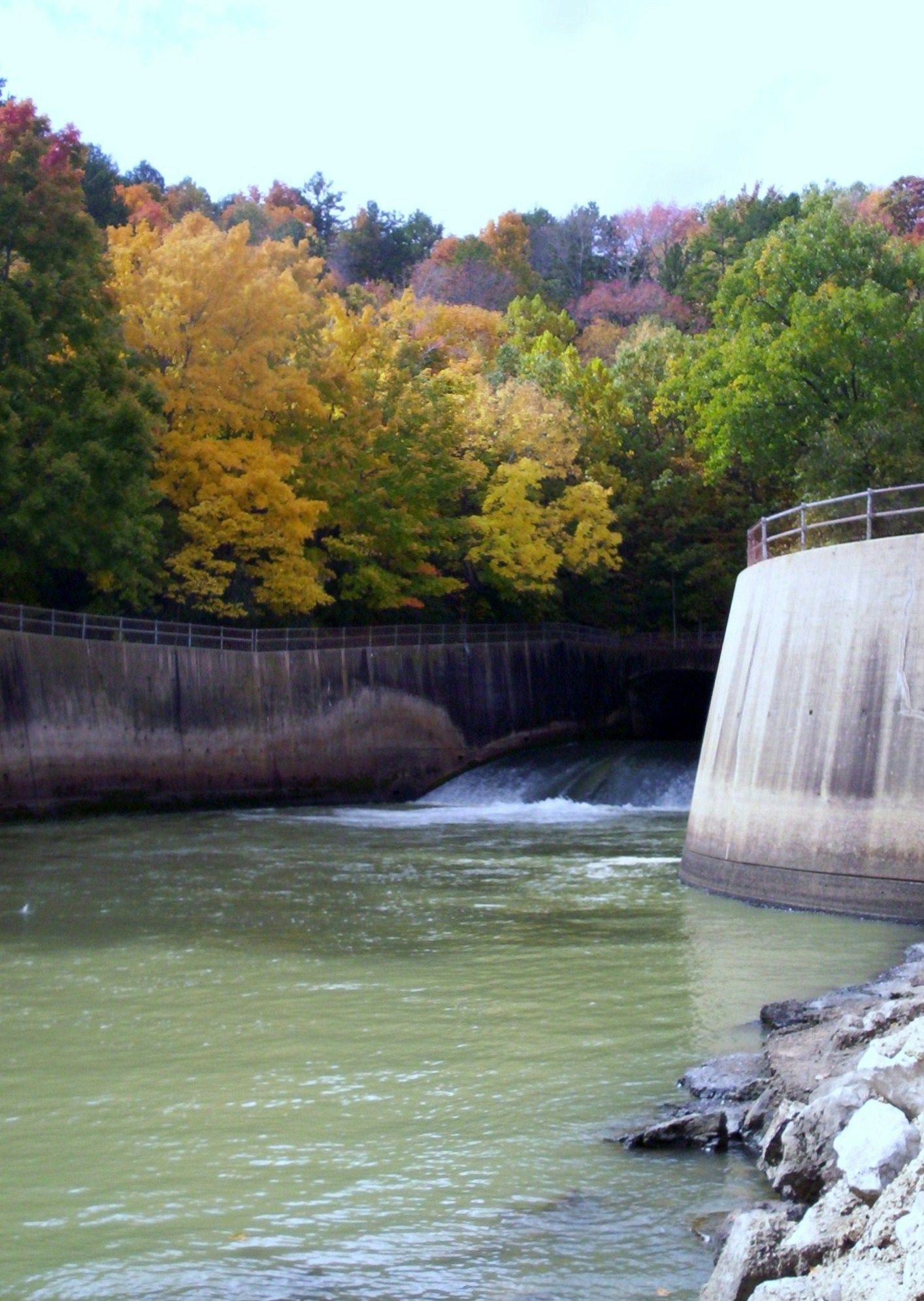 Clearwater lake spillway in piedmont missouri missouri for Fishing lakes in missouri