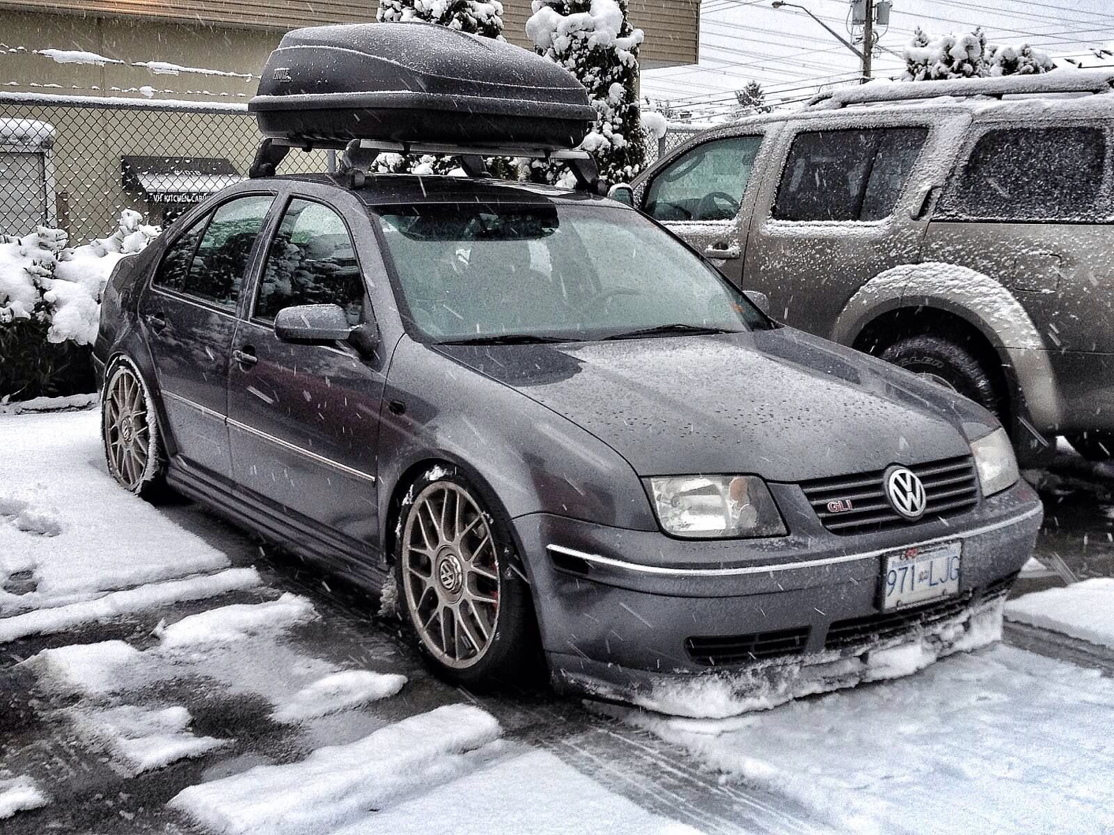 Slammed Mk4 Jetta Gli Snowplow Volkswagenjetta Volkswagen Jetta Volkswagen Vw Jetta Tdi