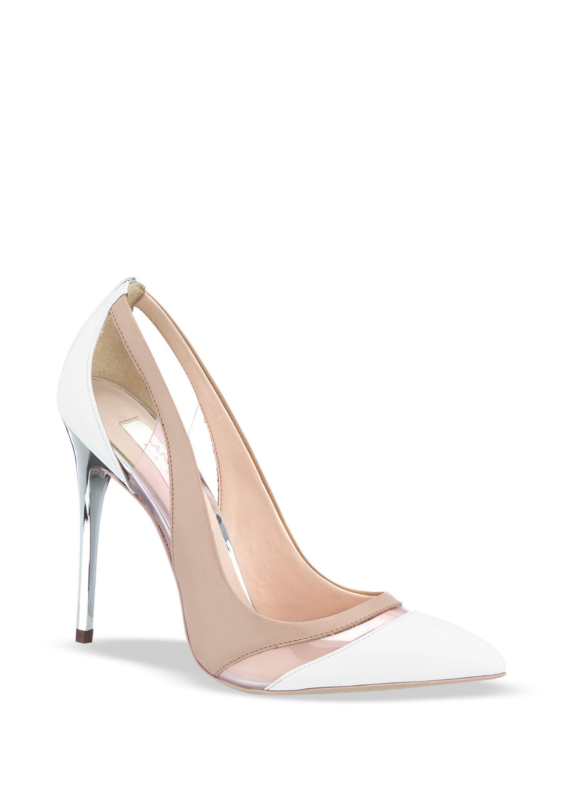 c993944a 18629 $ 68.10 Zapato semicerrado con punta pronunciada y detalle de mica en  corte, tacón cromado y combinación de colores. Color: Blanco, Beige  Material: ...