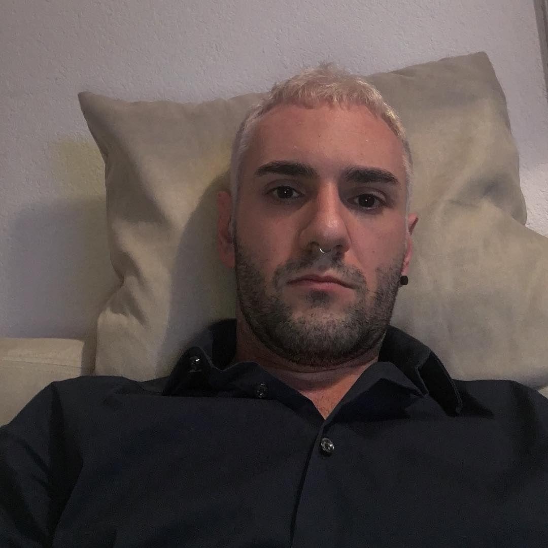 """234 Me gusta, 2 comentarios - M_ich (@m_ich1988) en Instagram: """"Detto fatto: white hair! 👵🏼 #hair #hairstyle #instahair #TagsForLikes #hairstyles #haircolour…"""""""