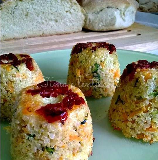 Tortini di quinoa ai pomodorini secchi, Il re dei cereali senza glutine la quinoa, ottima fonte di proteine vegetali in una ricetta semplice e facile
