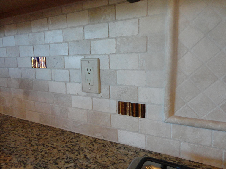 Tumbled Travertine Backsplash Ideas Part - 30: 2×4 Tumbled Travertine Offset Subway Back Splash W/ Glass Tile Accents  (Tampa