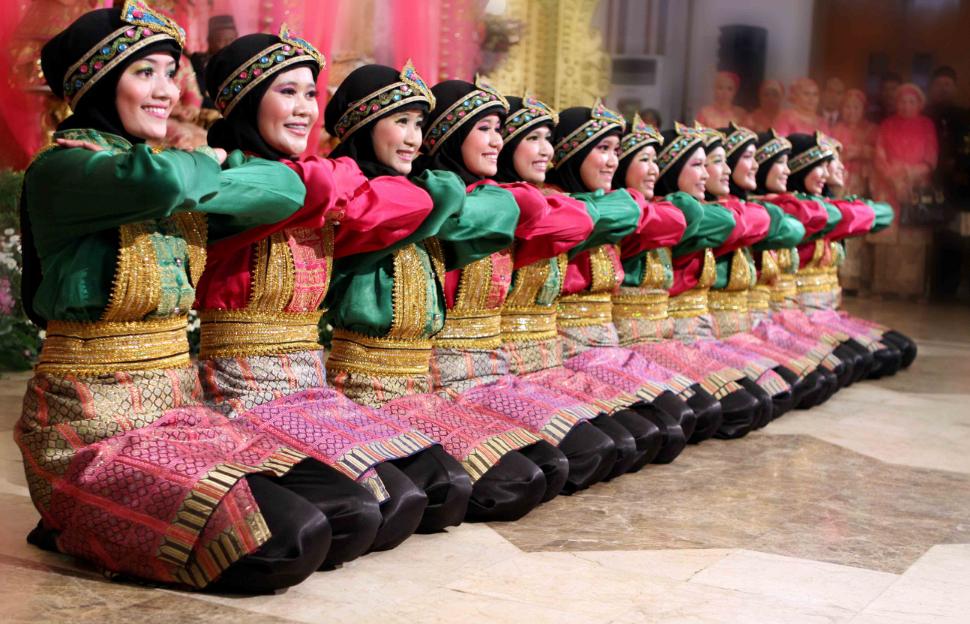 Nama Tarian Tradisional Daerah Indonesia Beserta Gambar Dan Asalnya Poster Tarian Tarian Budaya