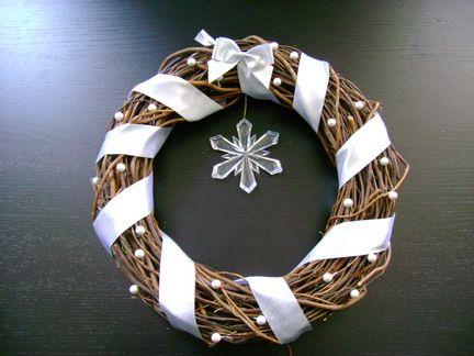 Decorazioni di natale per la casa la ghirlanda fai da te kransen pinterest garlands - Decorazioni natalizie per porte fai da te ...