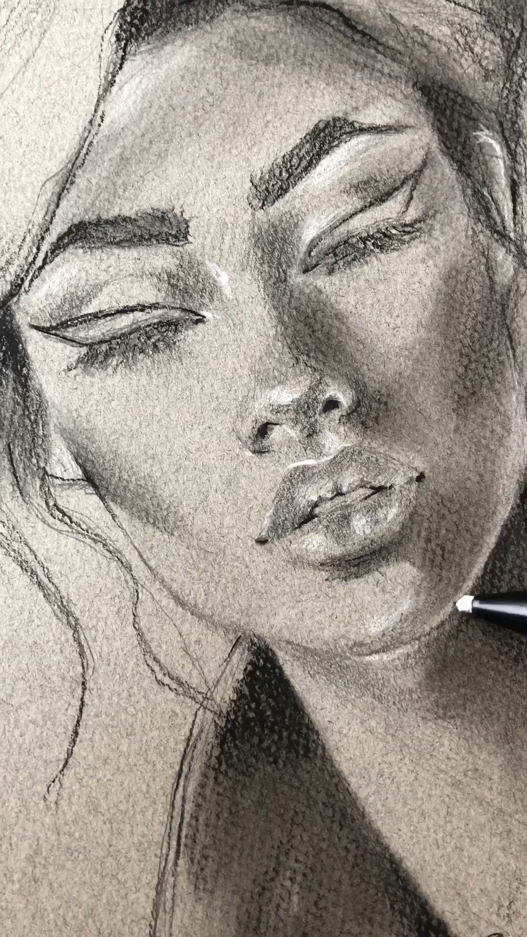 Creating highlights using an eraser and white charcoal pencil on pastel paper. #fitness inspiration...