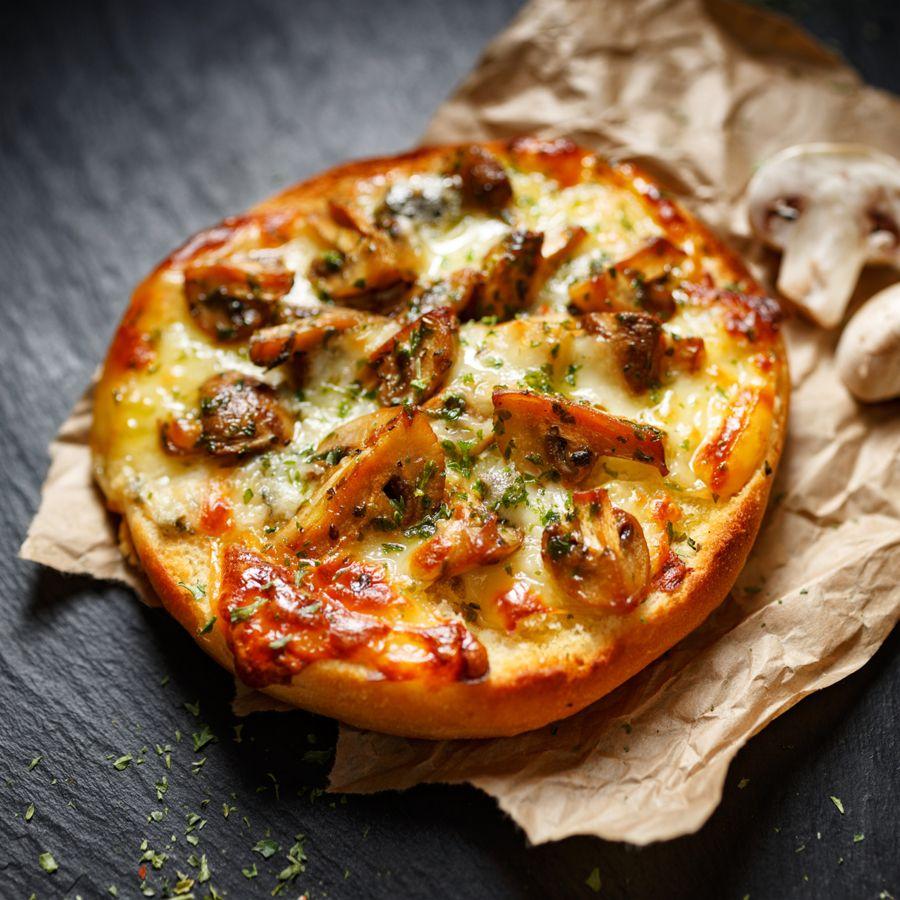 Pizza warm maken in magnetron