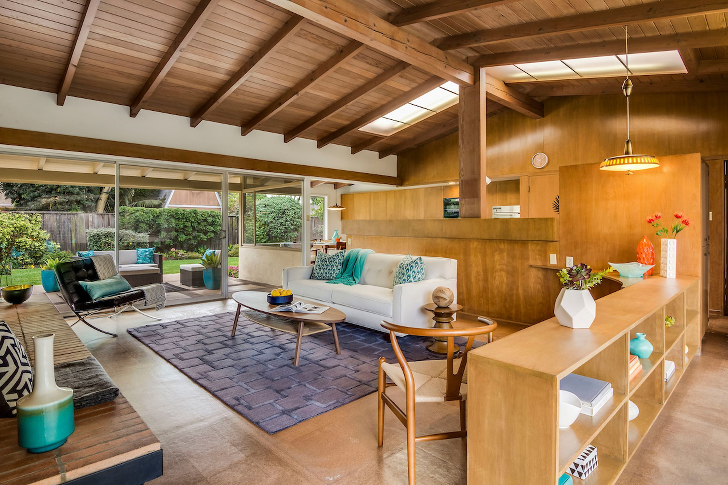 Sunny Midcentury In Long Beach Looking For A Second Owner For 979k
