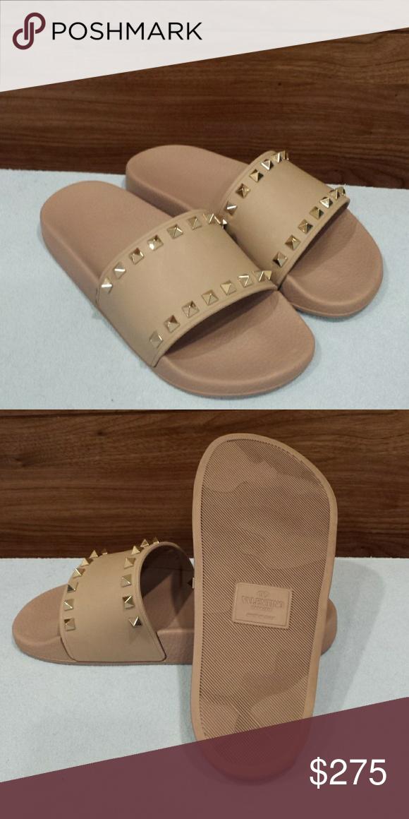 Valentino Garavani Rockstud Slides Size 7 Valentino Garavani Shoes Valentino Garavani Valentino