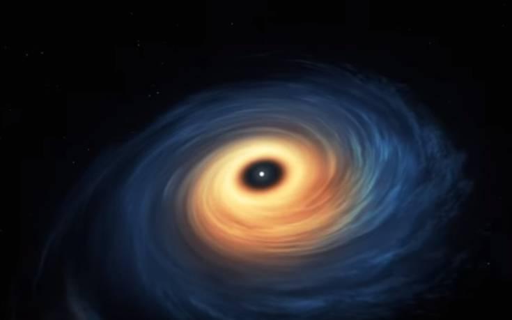 Entypwsiako Binteo Anakalyf8hke Gigantiaios E3wplanhths Tesseris Fores Megalyteros Apo Th Gh Newsbeast Black Hole Space Pictures Black Hole Gif