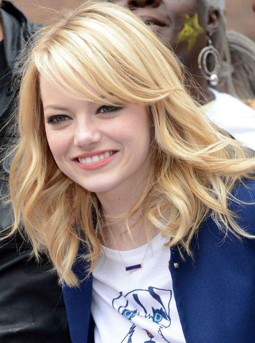 Emma Stone Medium Layered Hairstyles Popular Haircuts Hair Styles Medium Length Hair Styles Medium Hair Styles