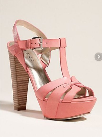 Love these guess shoes!! Want them :)