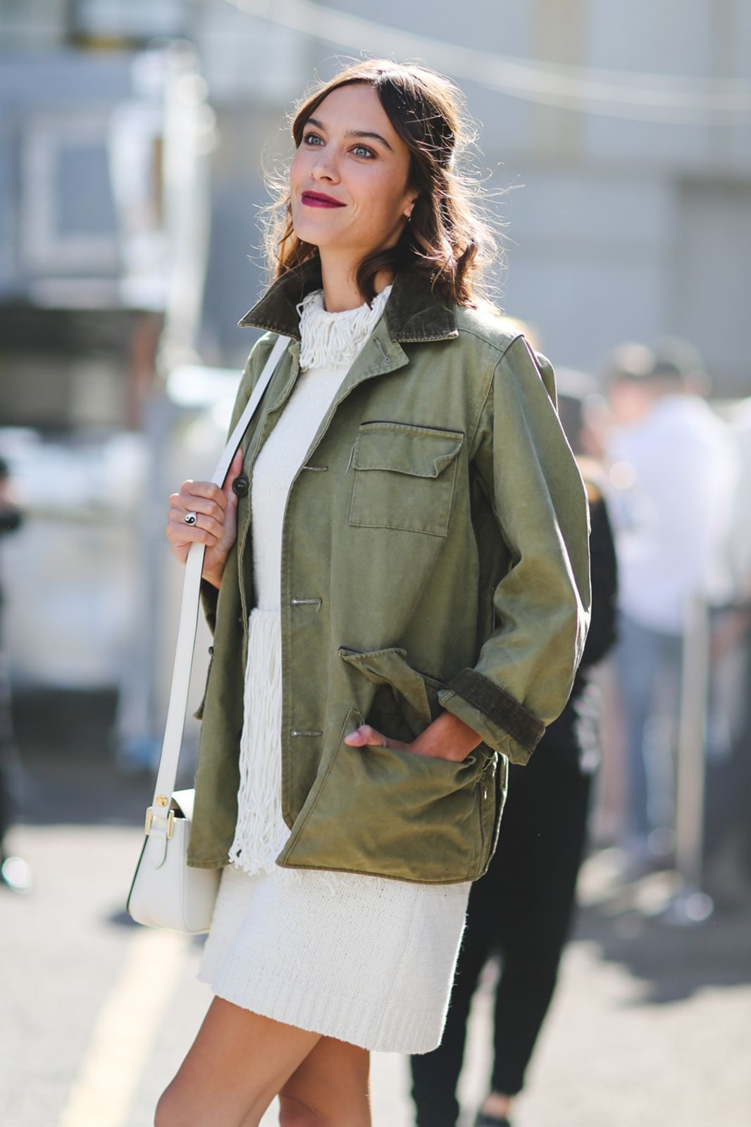 The Most Authentically Inspiring Street Style From New York #refinery29 http://www.refinery29.com/2015/09/93788/ny-fashion-week-spring-2016-street-style-pictures#slide-12 Alexa Chung keeping it simple — and breaking out that autumn-esque lip....