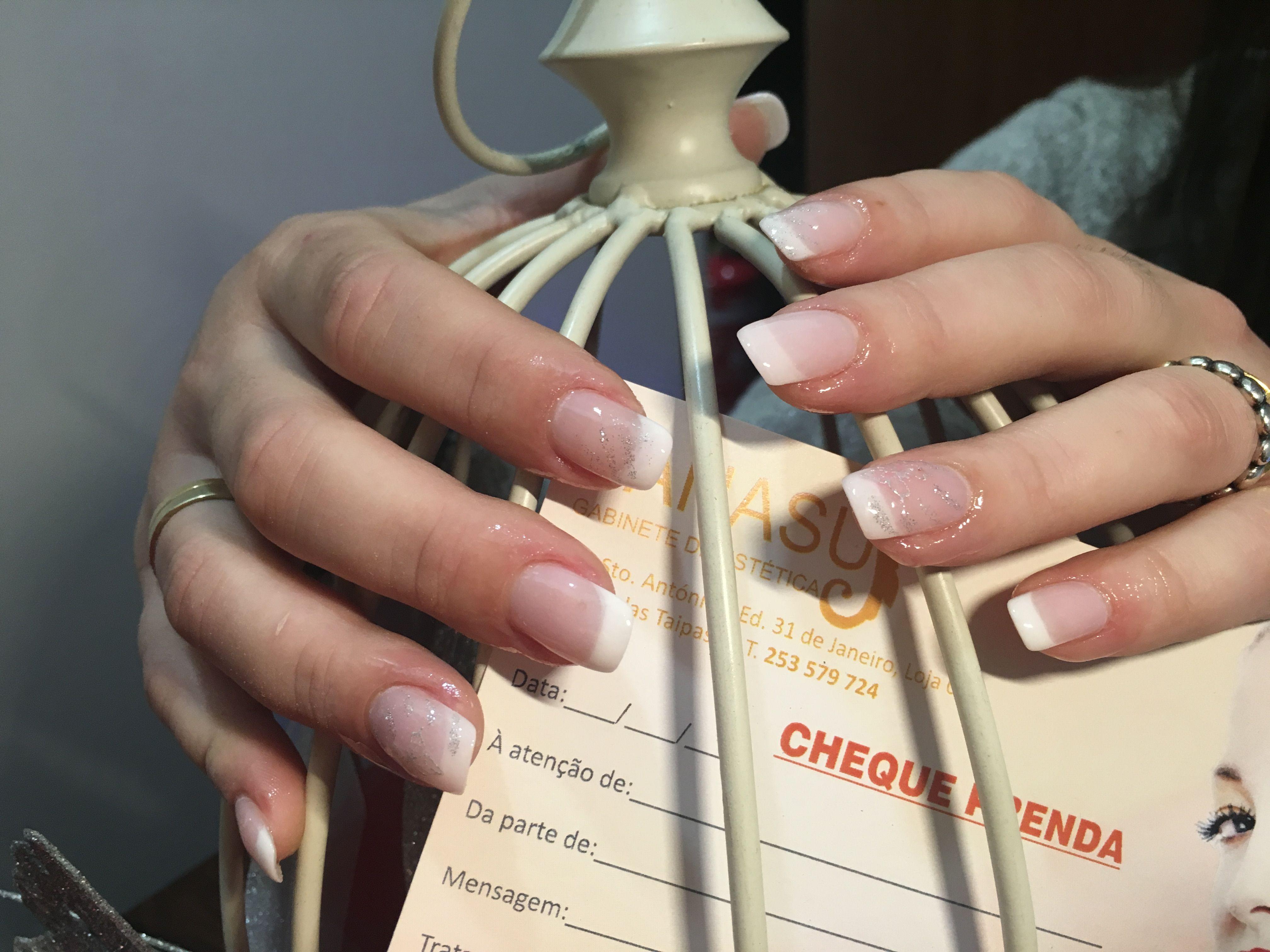 Manicure 💅🏼 francesa com imersão em pó 💗