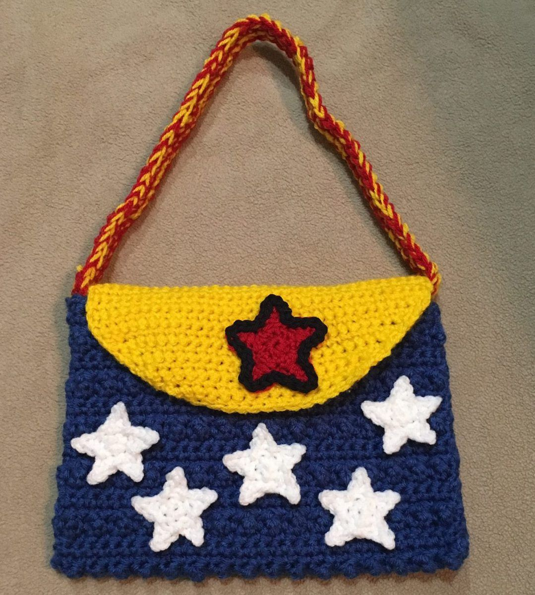 Wonder Woman crochet purse pattern   Crochet   Pinterest   Crochet ...