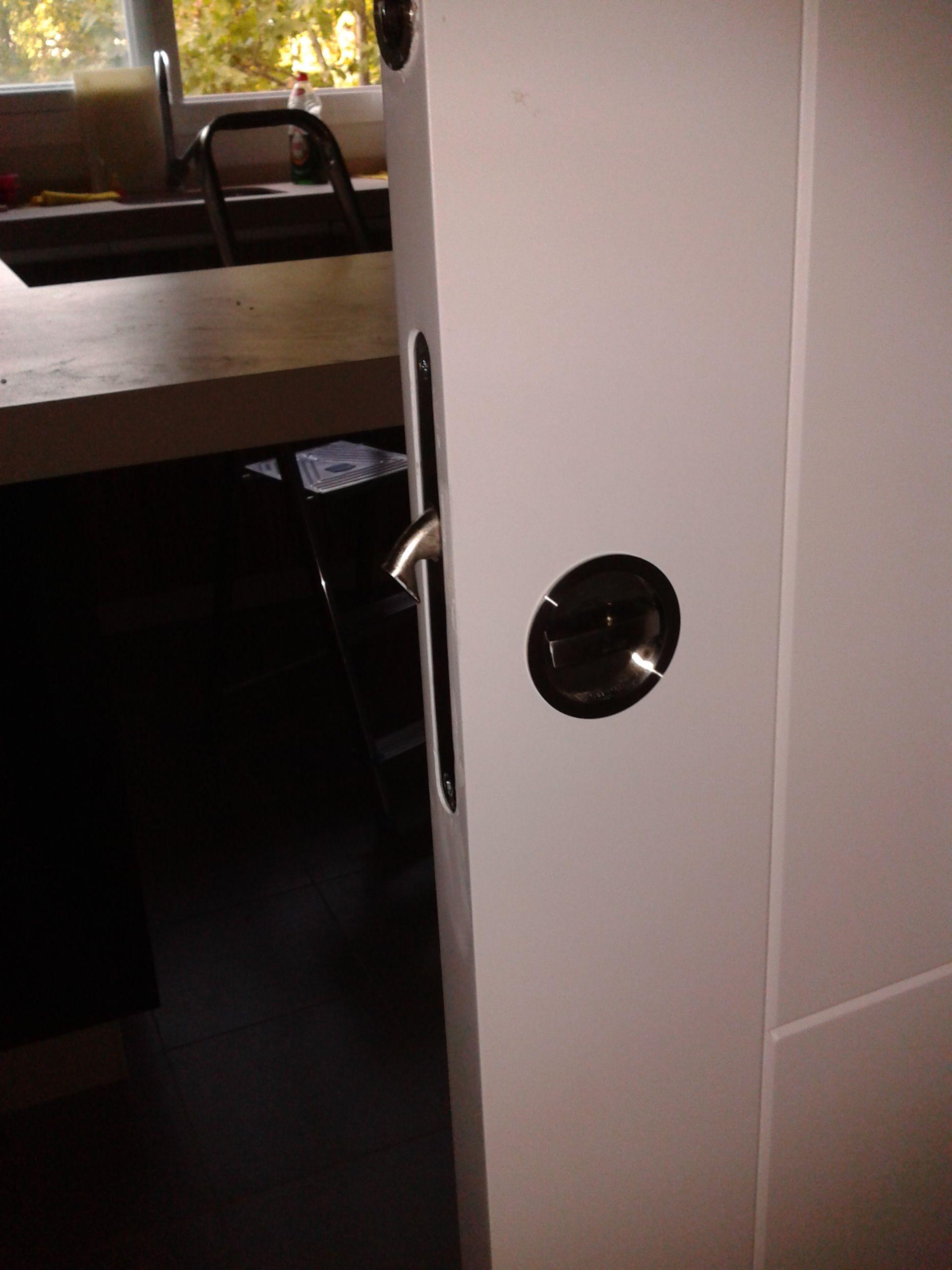 Condena en puerta corredera detalles pinterest - Convertir puerta en corredera ...