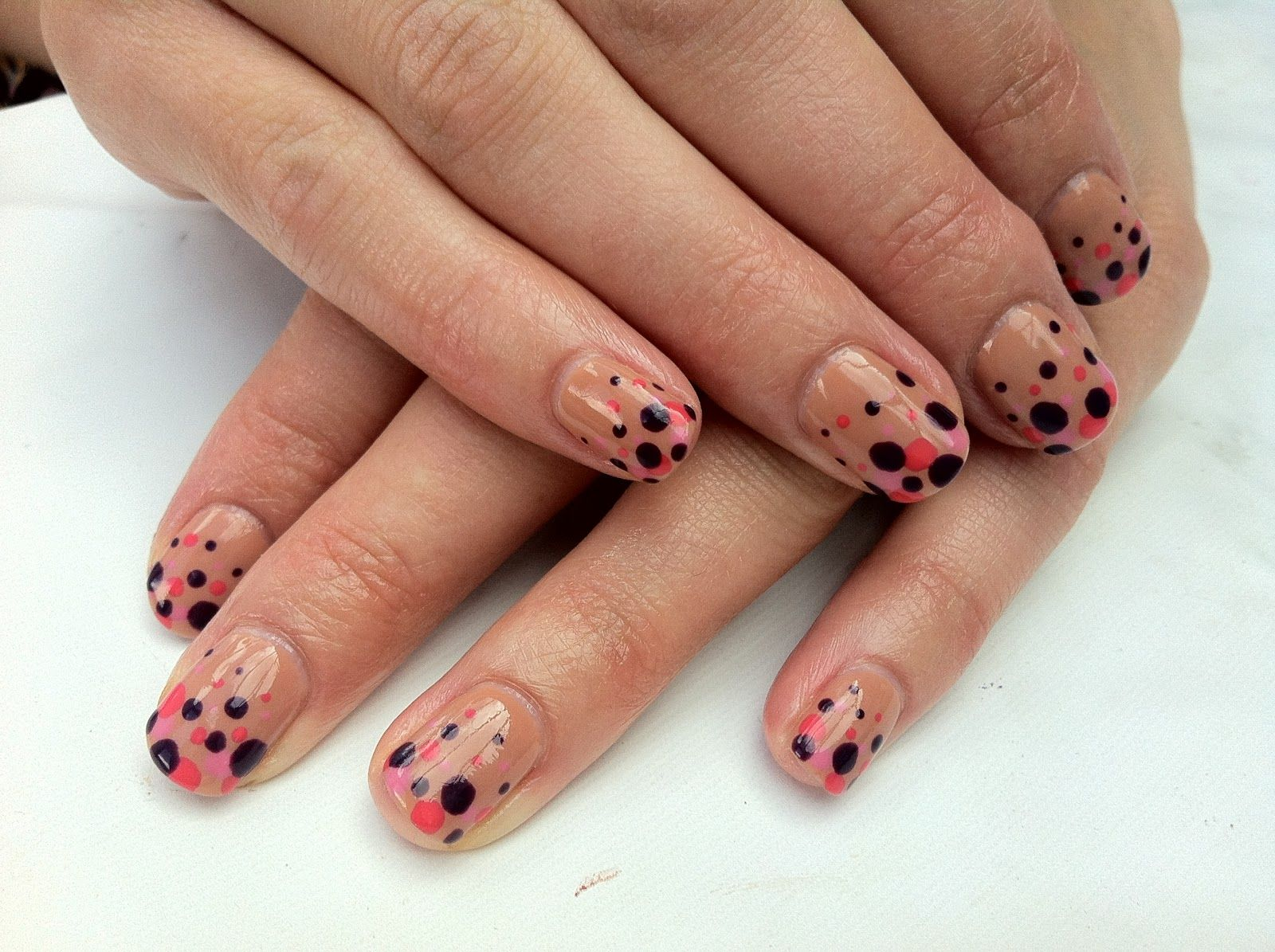 cnd shellac nail art cocoa with rock royalty tropix and gotcha gradient dots