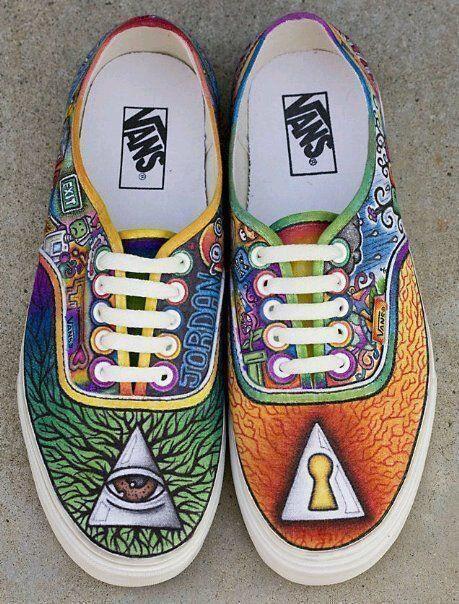 Iluminati Vans | Sepatu, Kartun