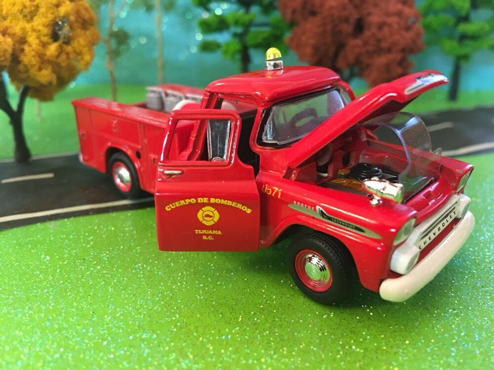 New I//64 Scale 1958 Chevy Apache Brush Truck Limited Edition Fire Truck M2
