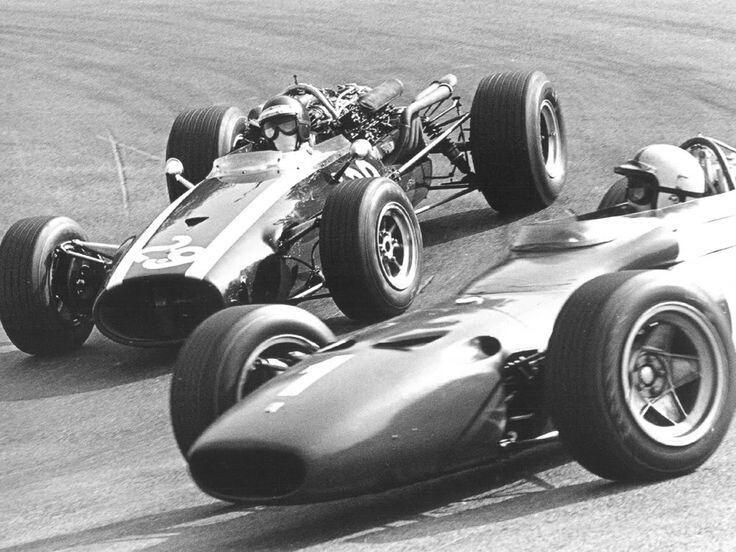 Jochen Rindt (Cooper) & Chris Amon (Ferrari) - Spa Francorchamps, Belgian Grand Prix - 1967