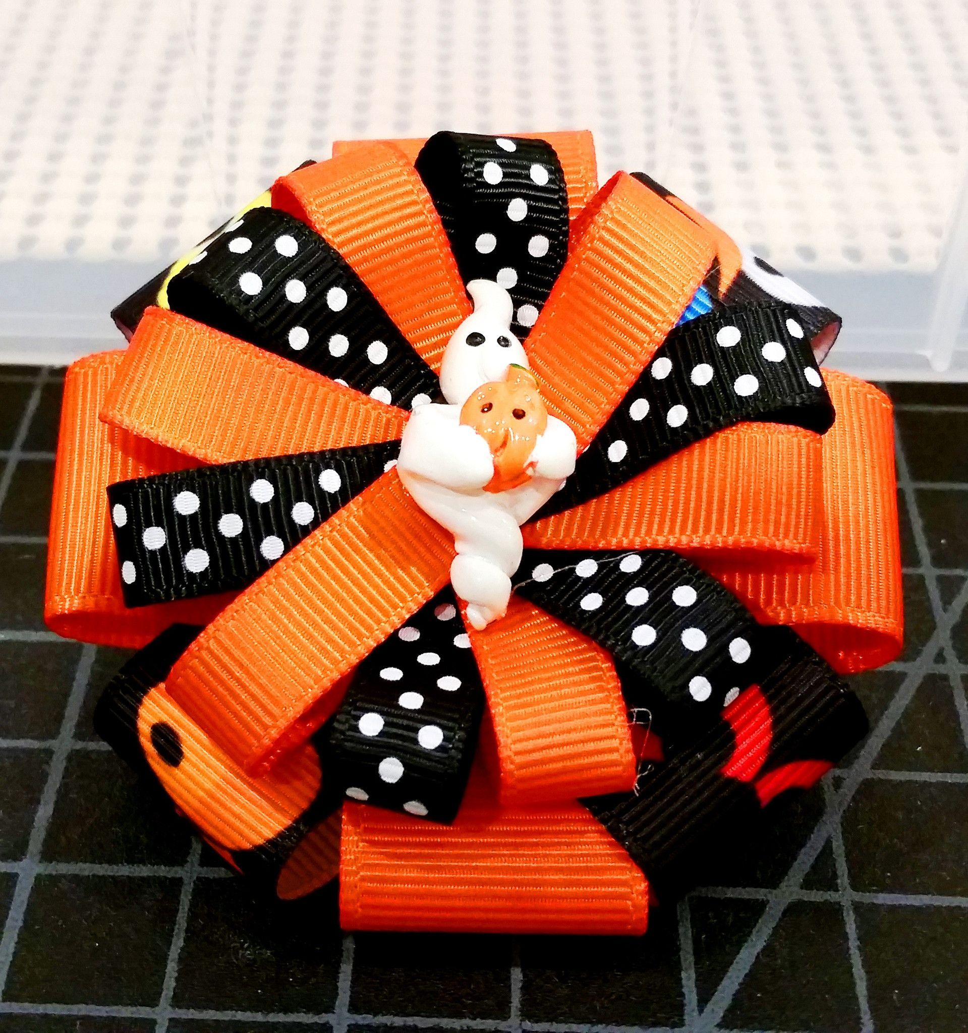 Diy halloween ghost3 - Stacked Flower Loop Hair Bow Halloween Ghost 3 Stacked Hair Bow Dual Tier With