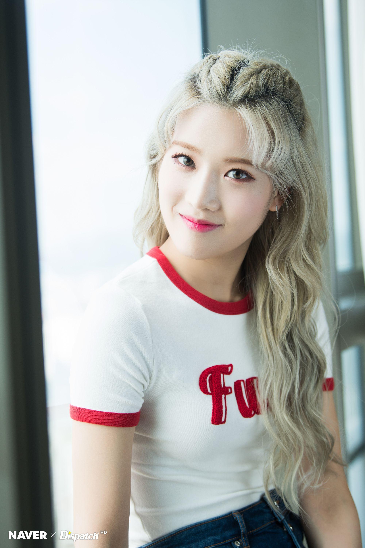 Pin by Tia 티아 on 「kim lip♡」 in 2019 | Kpop, Korean girl groups