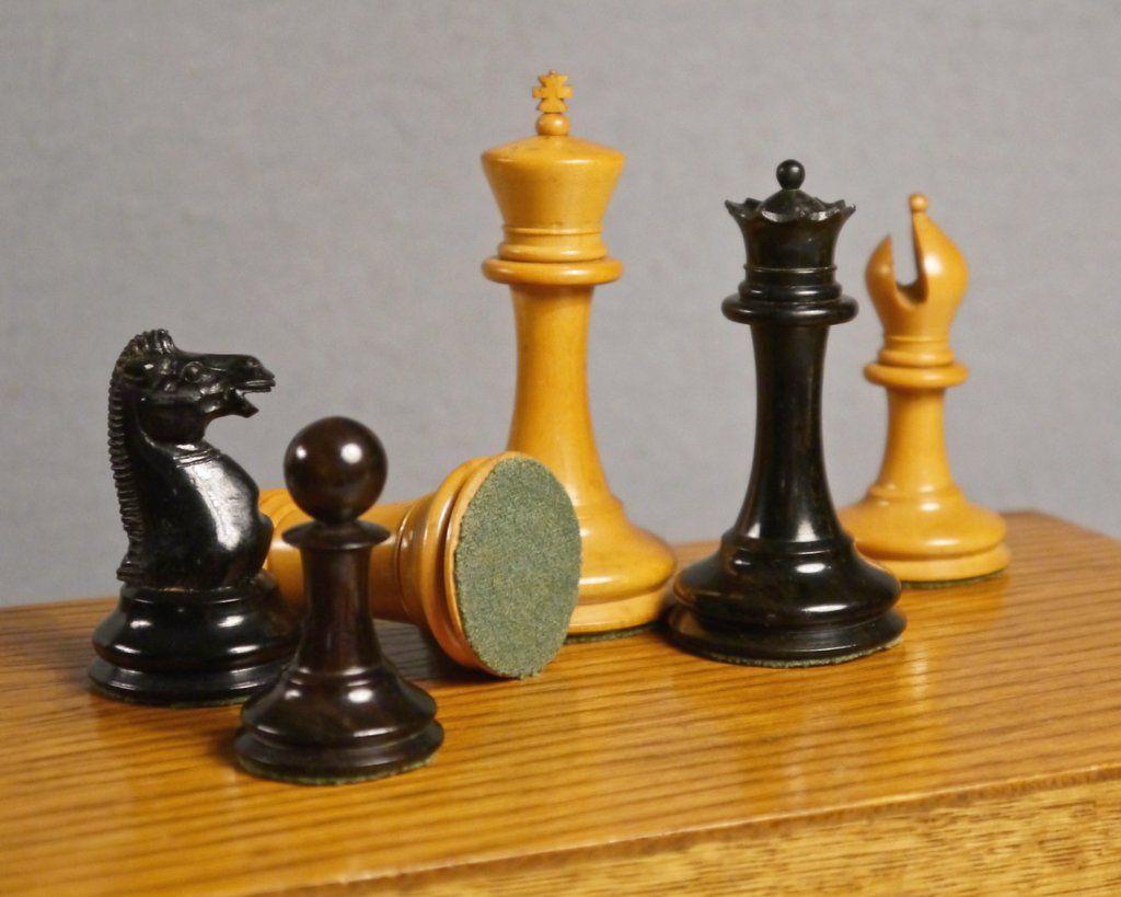 "Reproduction B /& Company 1860 4/"" Antique Staunton Ebony /& Box Wood Chessmen"