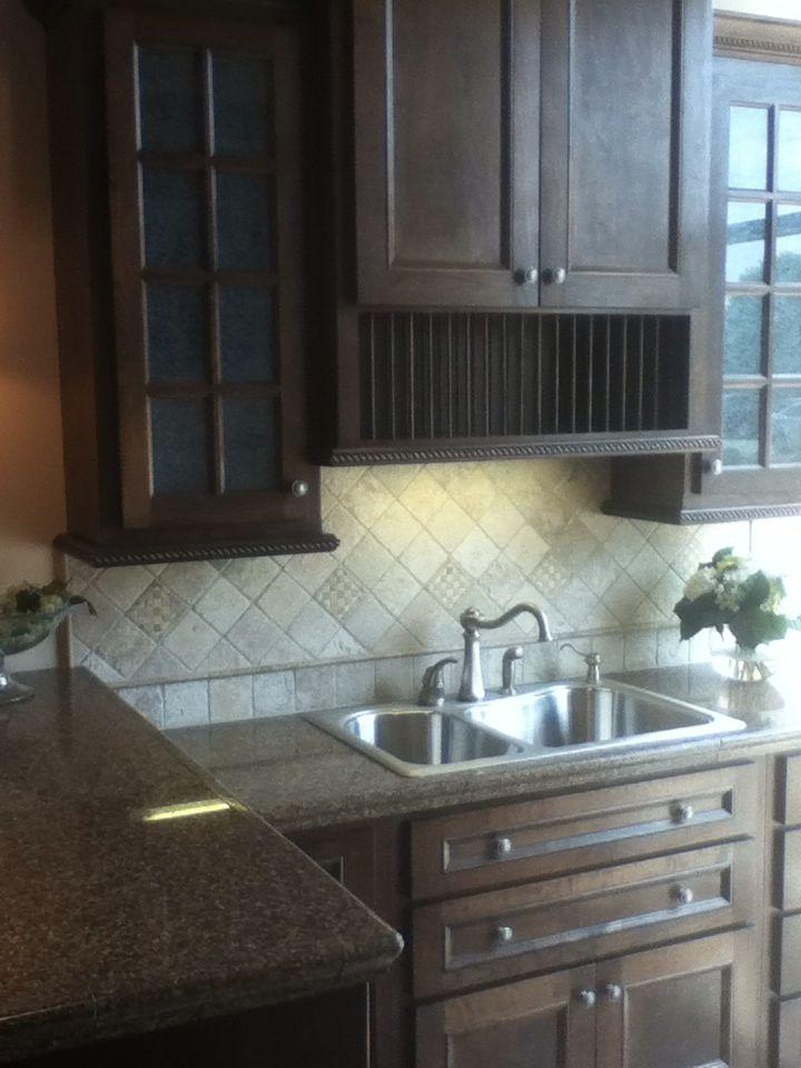 Traditional kitchen backsplash | Kitchen. | Pinterest | Cocinas