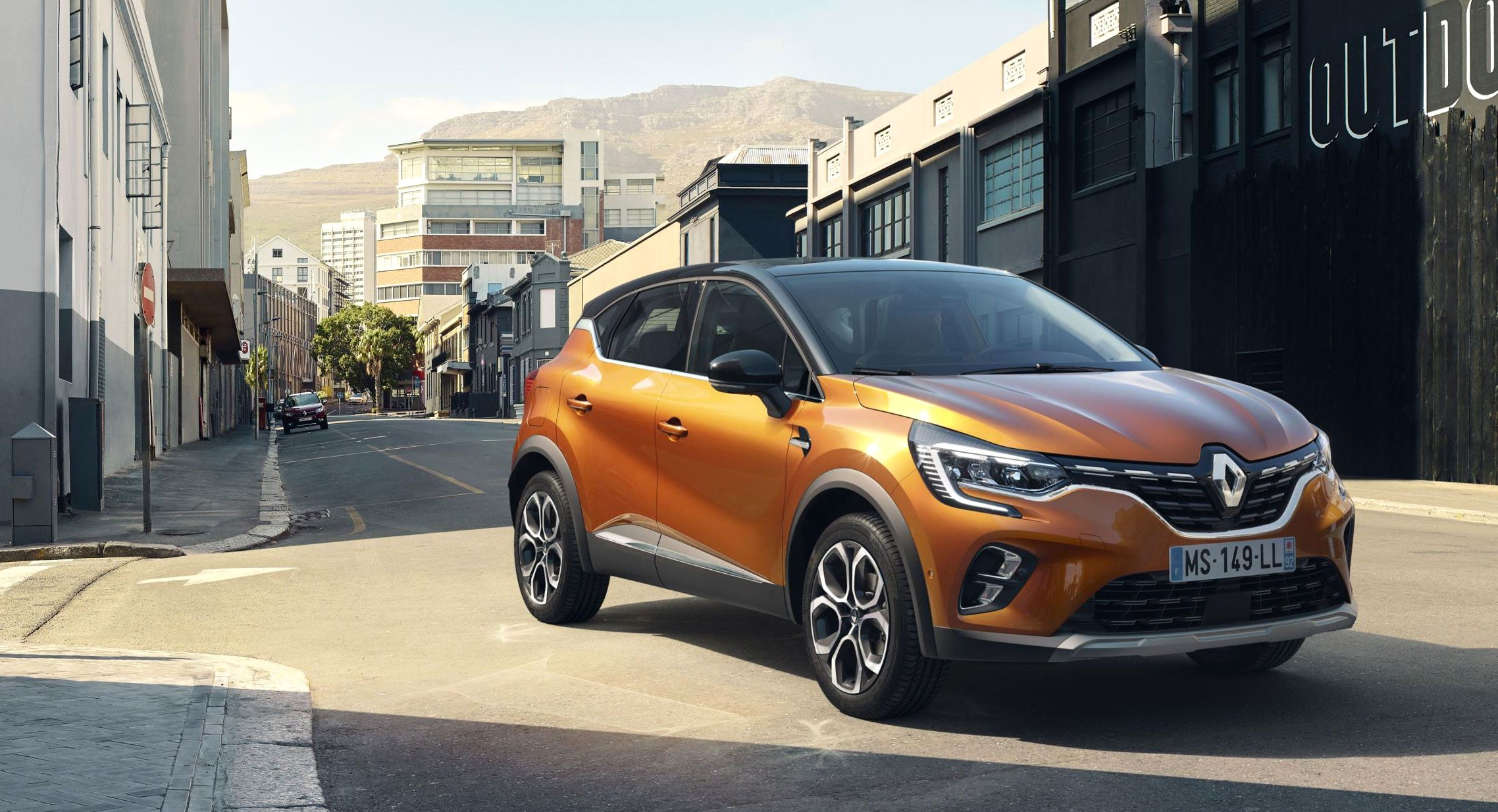New Renault Captur Bigger Better And A Touch Of The Clios New