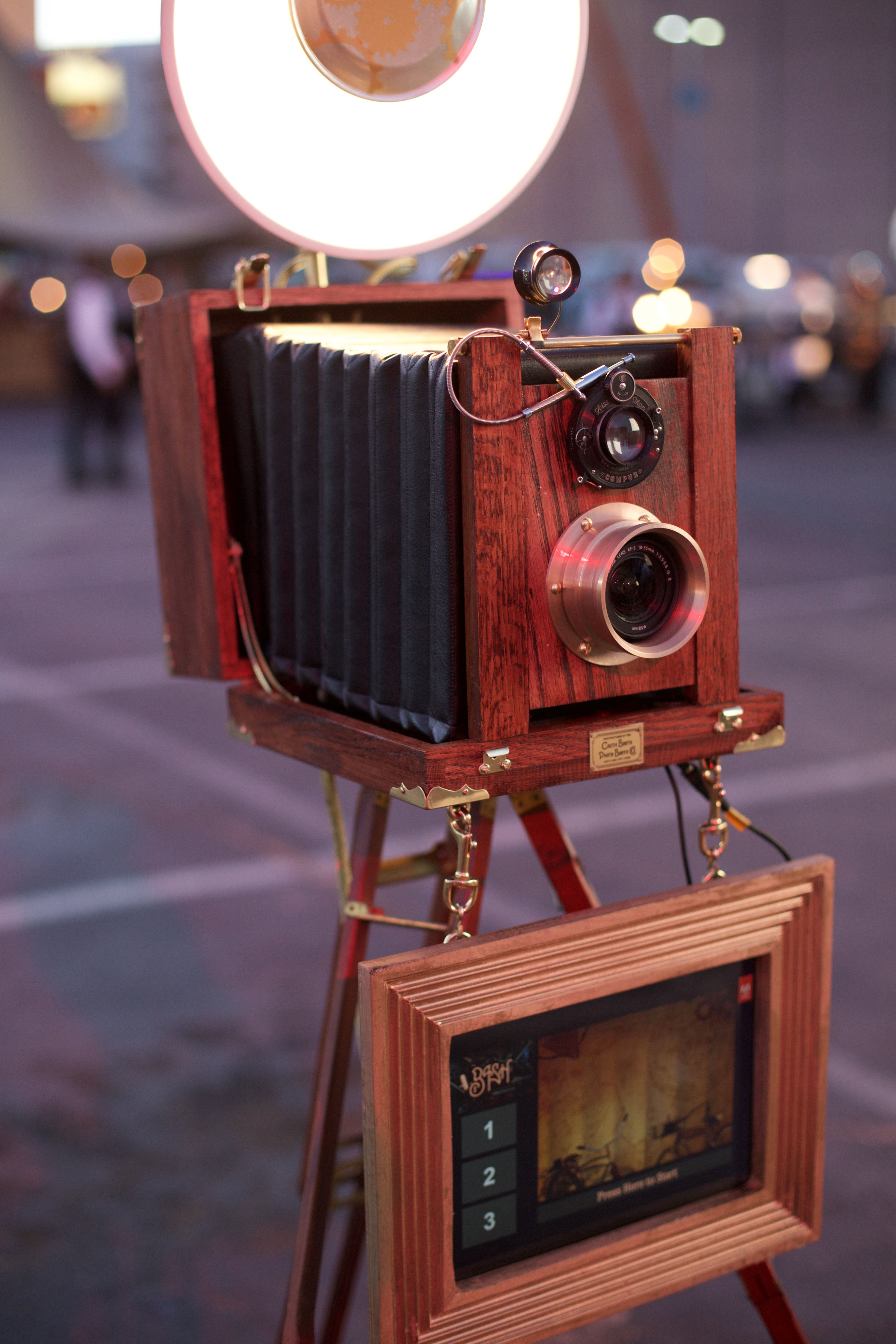 The Vintage Booth | Couth Booth: Utah Photo Booth Rentals