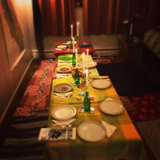 How To Host A Large Dinner Party In A Small Space Hosting