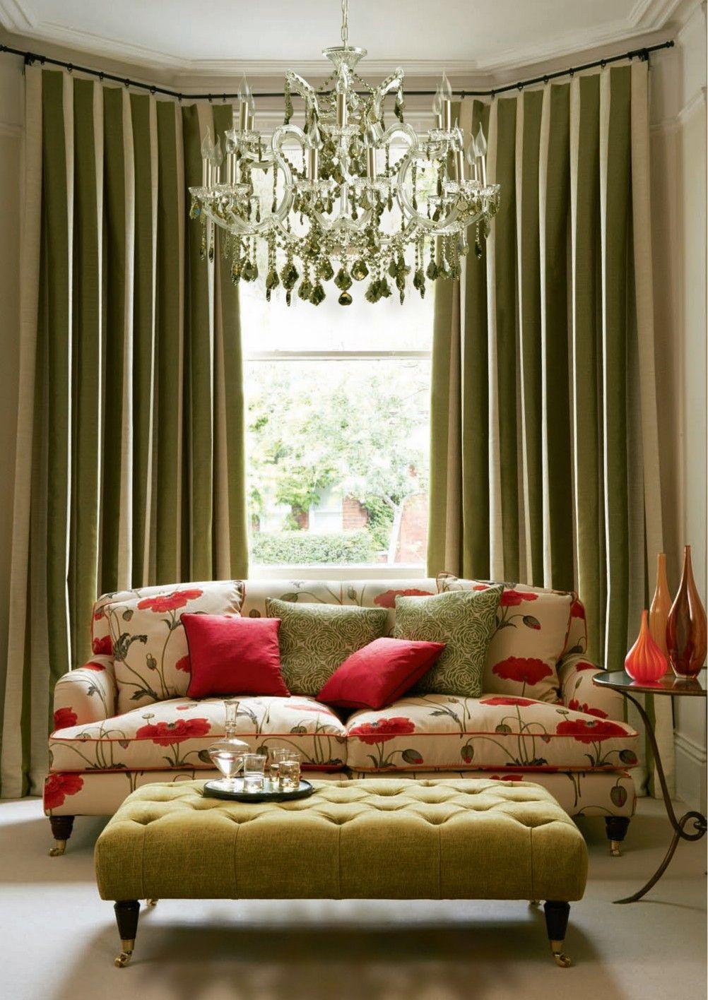 L mpara maria teresa con sofas y estilo clasico cl sico for Decoracion estilo clasico