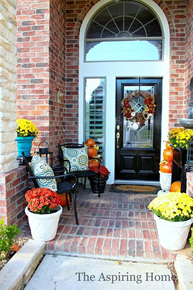 17 Insanely Inviting Fall Porch Ideas #fallfrontporchdecor